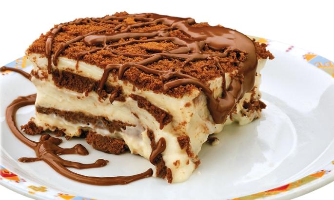 biskvitena-torta